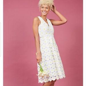 Flawless in fleurs midi dress